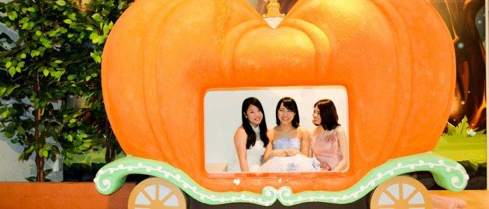 かぼちゃの馬車に乗って